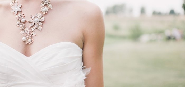 so cheap to buy low price sale Quels bijoux correspond à ma robe de mariée ?   ABF Mariage